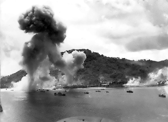 Navy_bombers_attack_Japanese_warships_during_raid_on_Truk