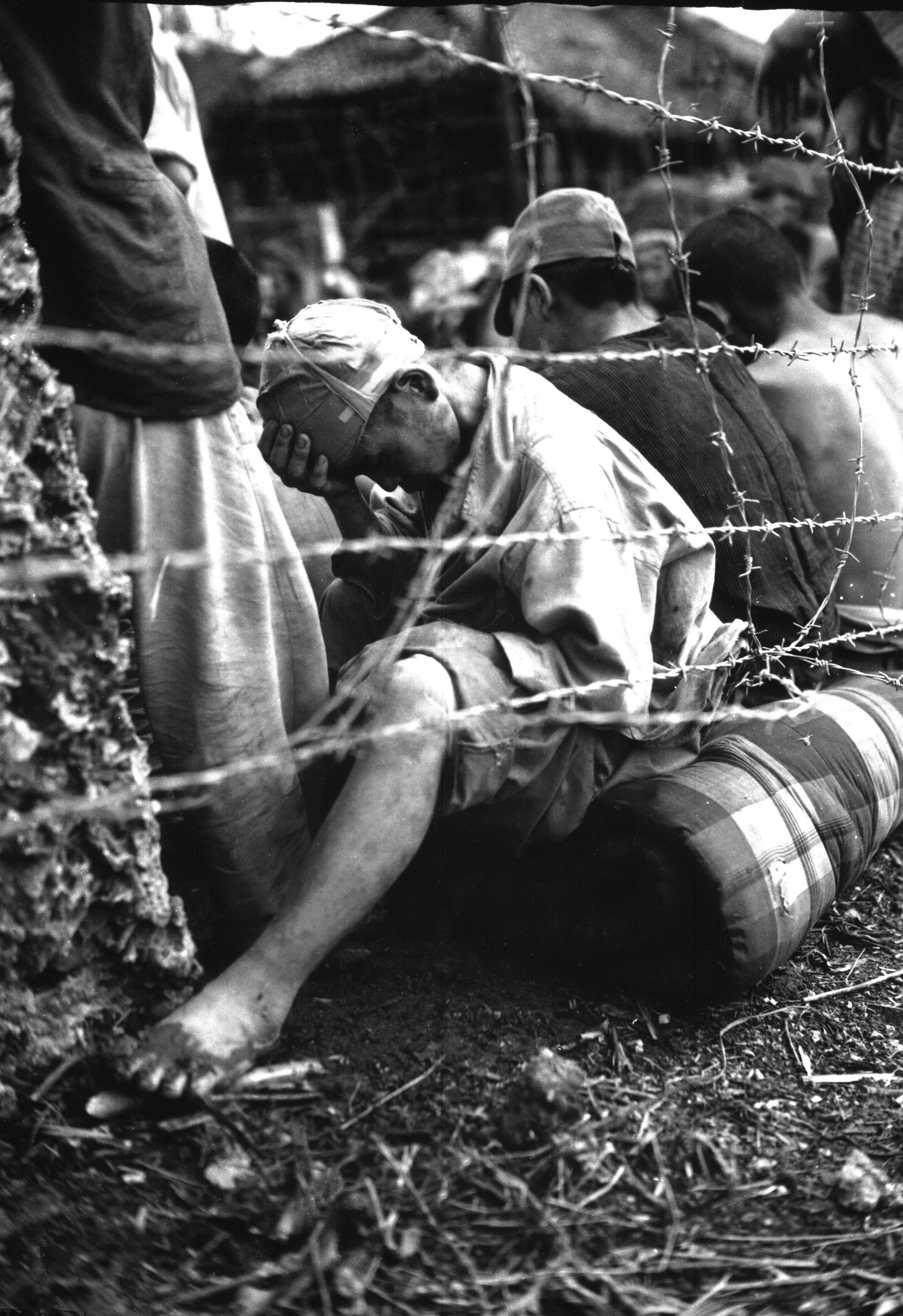 沖縄でアメリカ軍に捕らえられた日本軍捕虜