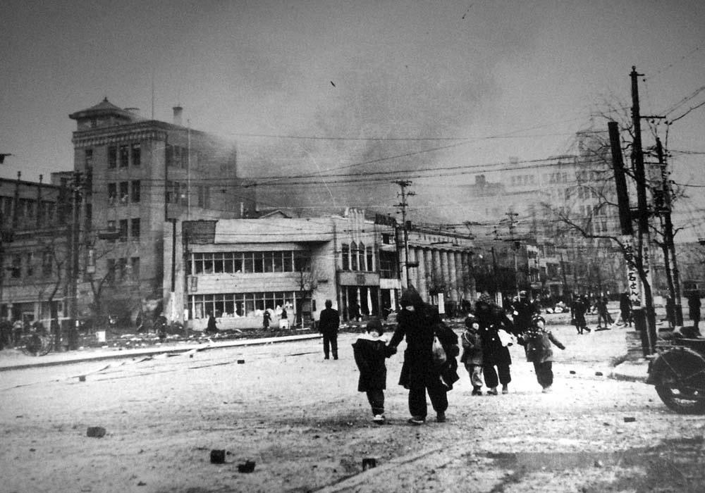1945年1月27日 空襲を受ける銀座数寄屋橋