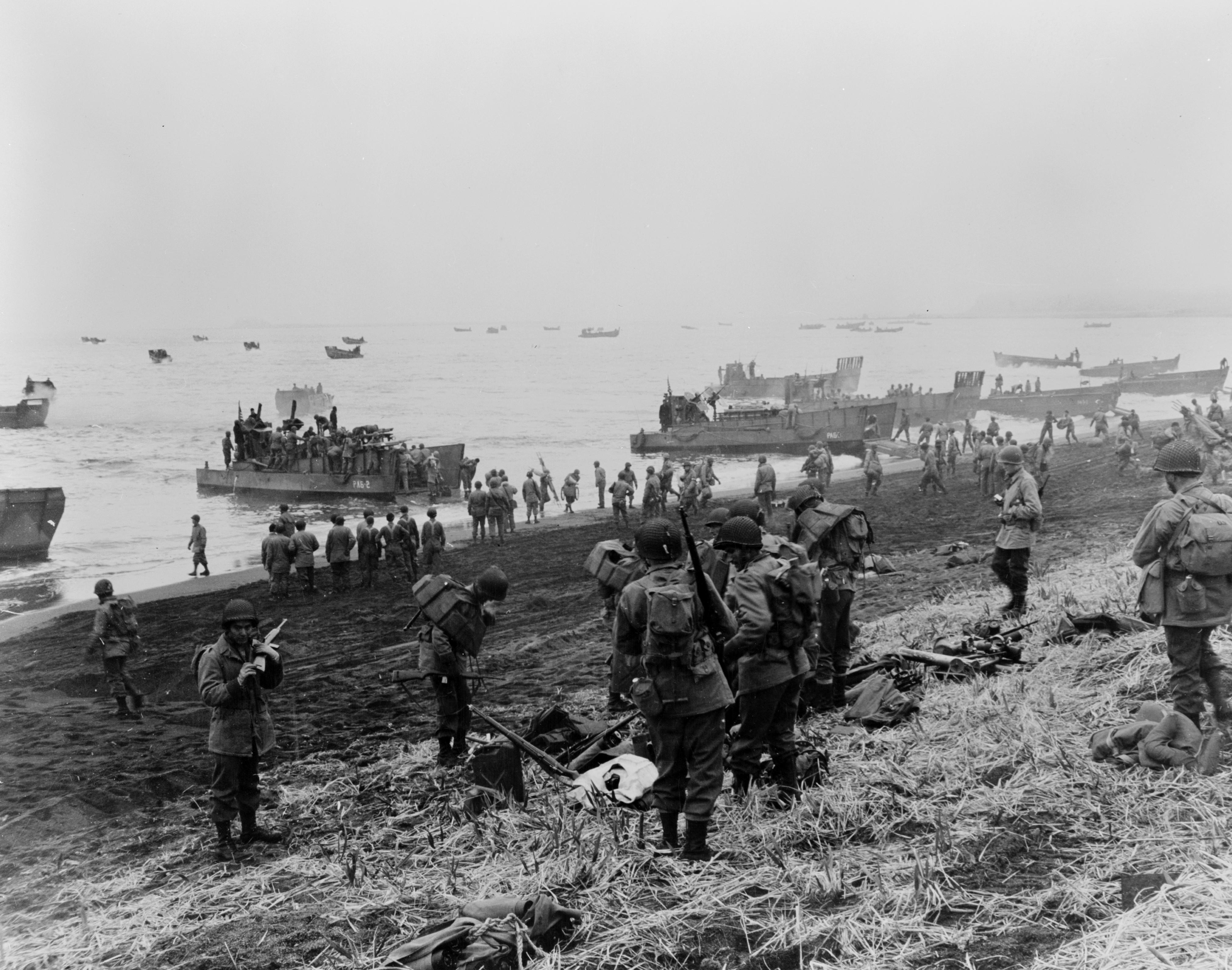 アッツ島に上陸したアメリカ軍