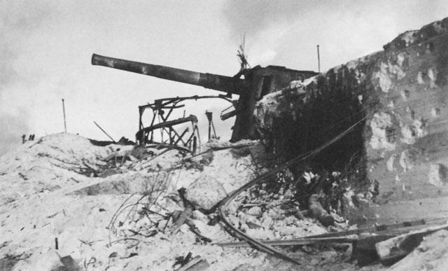 タラワ・ベティオ島に配備された日本軍高射砲(九九式八糎高射砲)