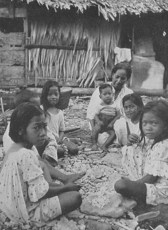 1930年代に撮影されたクサイ(コスラエ)島民