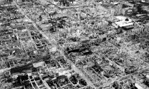 廃墟と化したマニラ市街