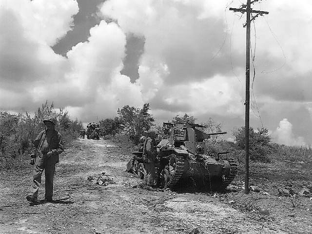 テニアン島で破壊された日本軍95式軽戦車